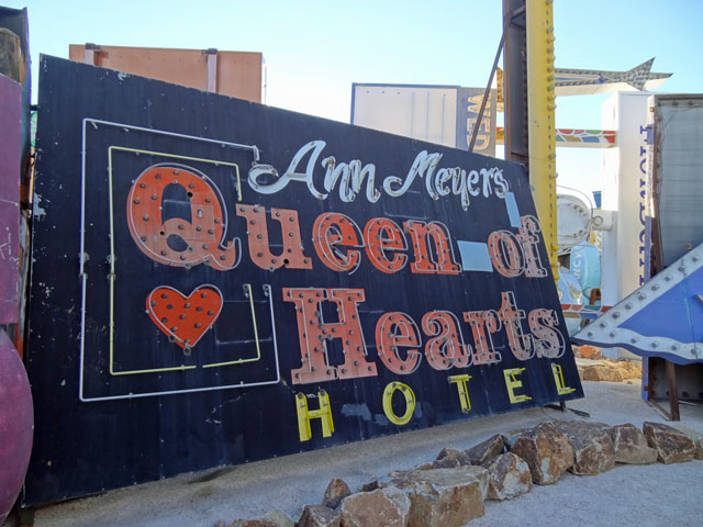Queen of Hearts Sign