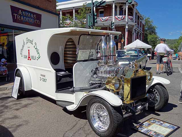 Milk Truck at the Route 66 Car Show