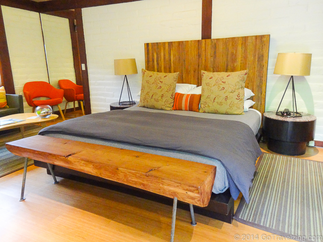 The king sized bedroom at the Glen Oaks Motor Lodge in Big Sur California